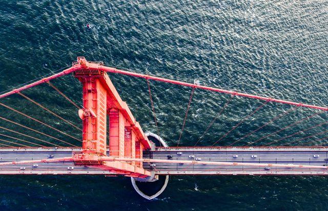 Bridge, Fixed link, Suspension bridge, Line, Cable-stayed bridge, Nonbuilding structure, Water transportation, Girder bridge, Rope, Naval architecture,