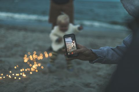 Water, Human, Hand, Technology, Adaptation, Photography, Electronic device, Vacation,