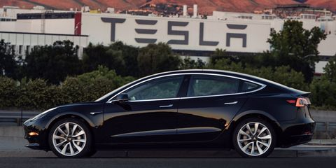 Land vehicle, Vehicle, Car, Mid-size car, Tesla model s, Sedan, Automotive design, Tesla, Executive car, Family car,