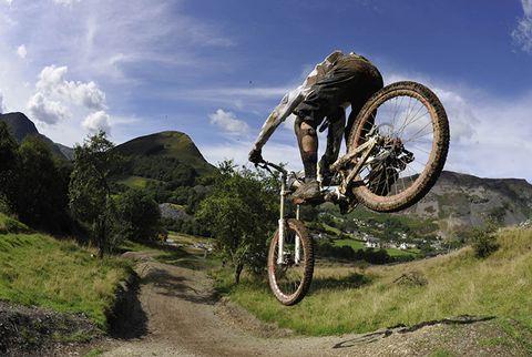 descent mountain bike