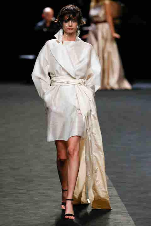 Fashion model, Fashion, Runway, Fashion show, Clothing, Fashion design, Haute couture, Public event, Dress, Event,