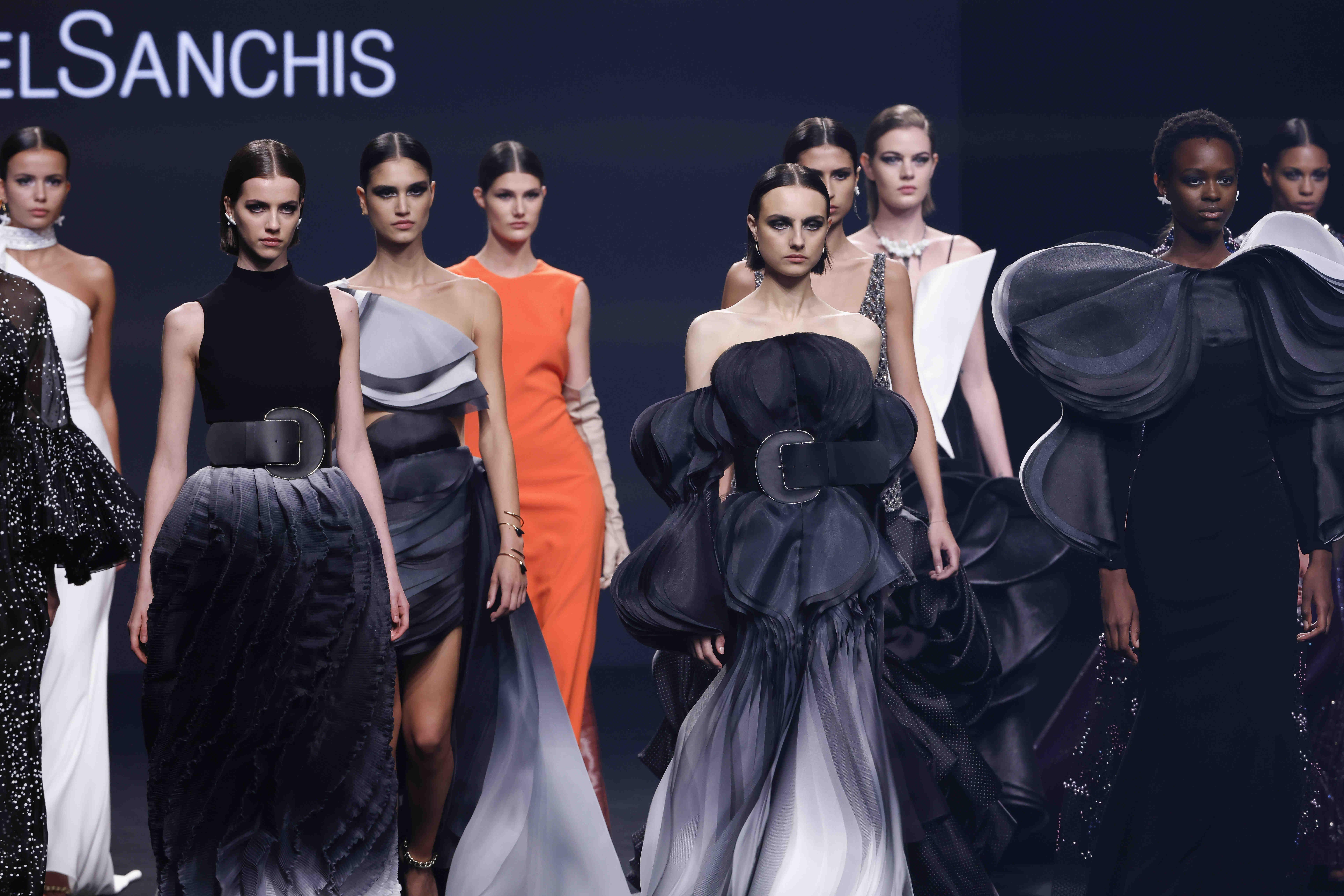 Isabel Sanchís: el volumen de la moda