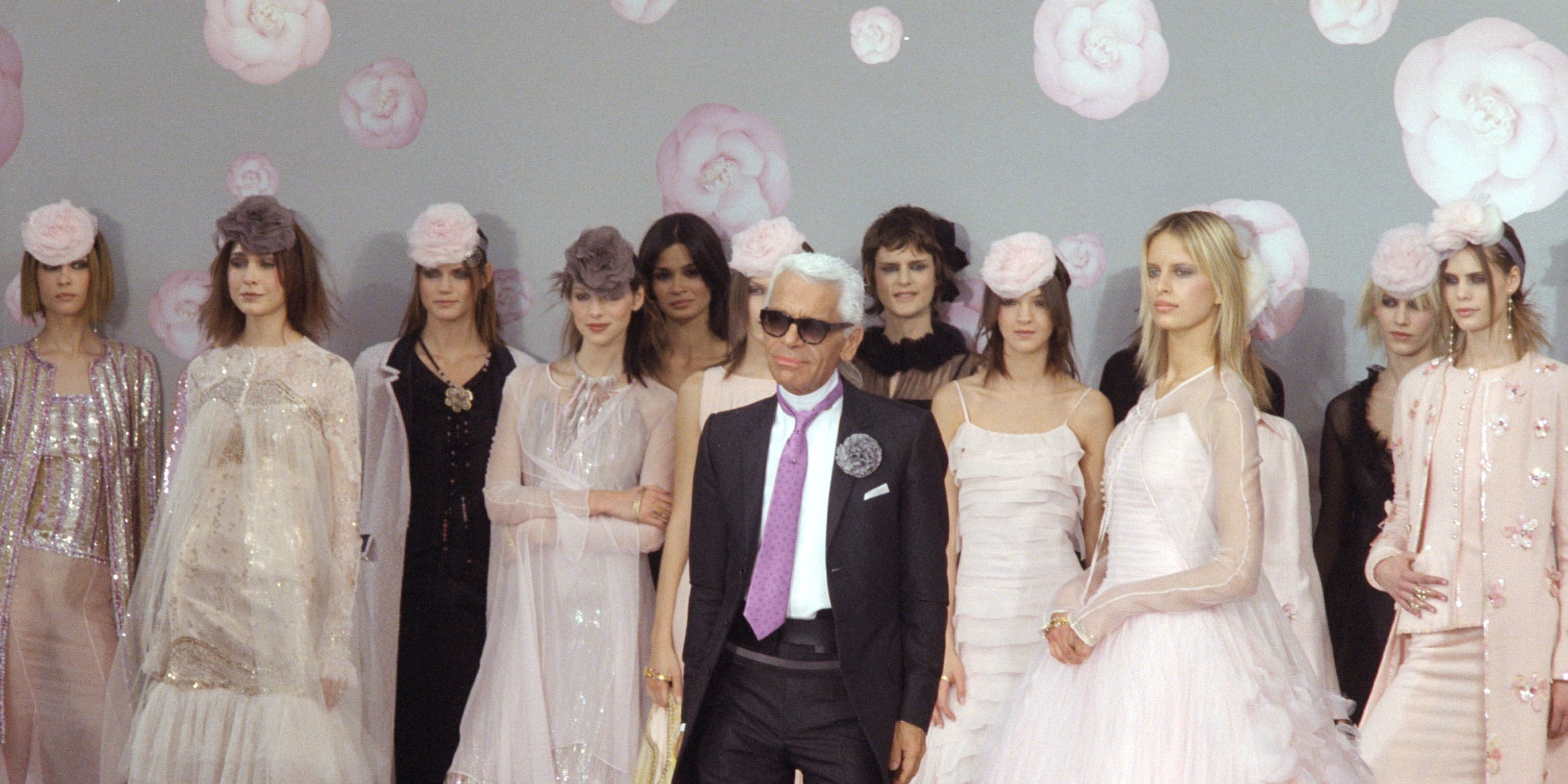 Chanel 2002 Spring/Summer 'Haute Couture' Fashion Show
