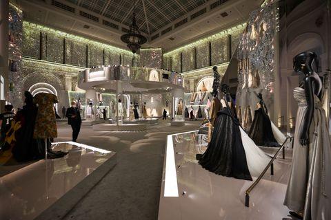 christian dior designer of dreams al brooklyn museum di new york
