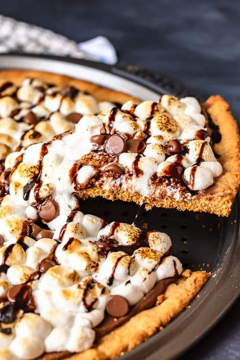 easy s'mores pizza