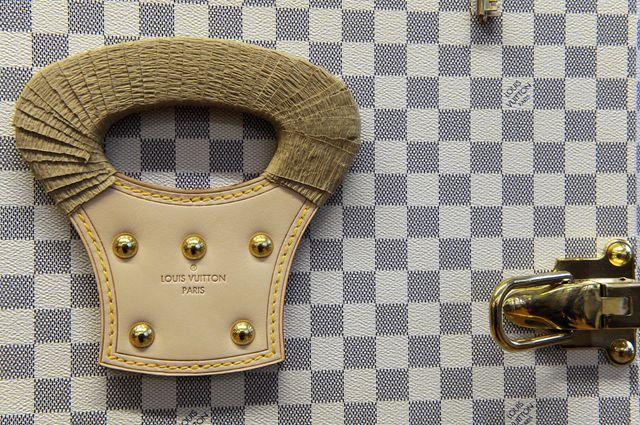 france economy luxury retail company lvmh