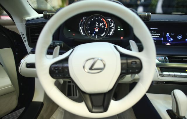 lexus presents in spain its convertible model lc 500 cabrio