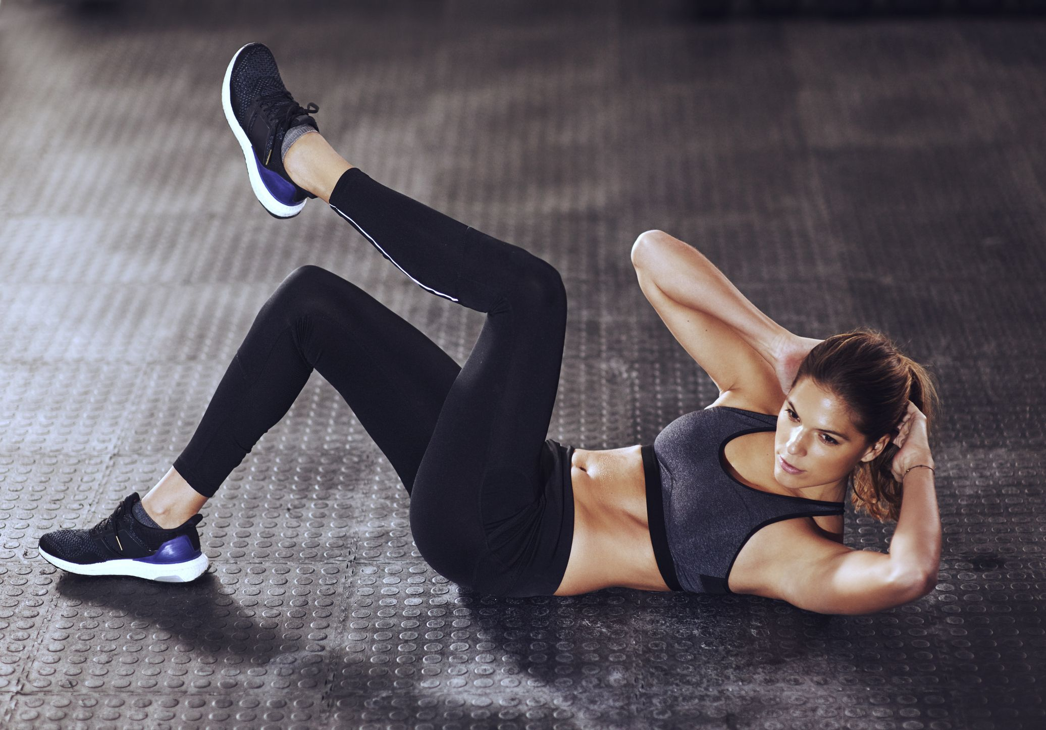 This Sprinter Sit-Up Challenge Will Fire Up Your Obliques in 5 Minutes