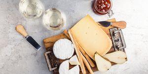 deze-bekende-kazen-kun-je-wel-eten-als-je-lactose-intolerant-bent
