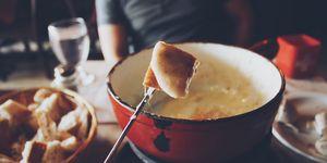 Kaasfondue in een pan