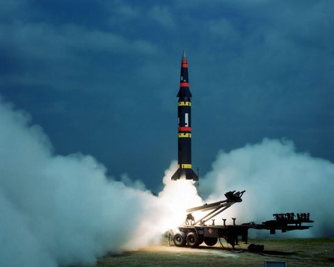 Rocket, Missile, Rocket-powered aircraft, Vehicle, Aerospace engineering, Aircraft, Aviation, Sky, Cruise missile submarine, Launch,