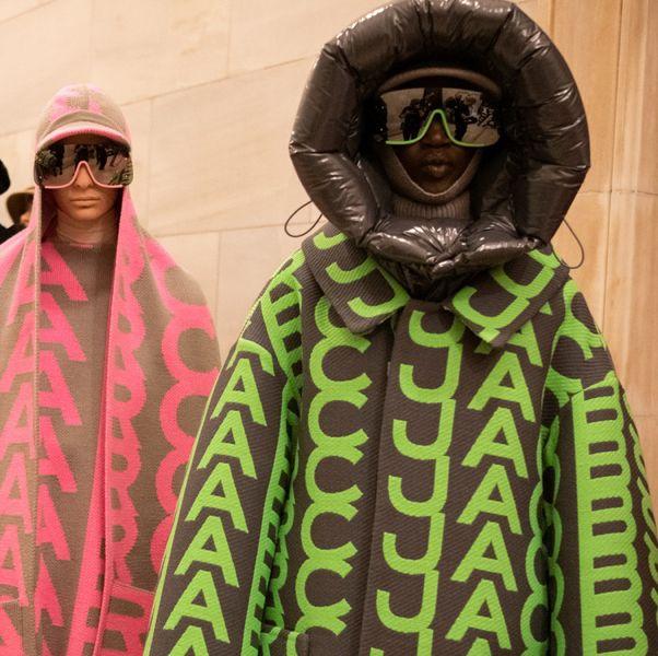 綠色和粉色的marc jacobs外套