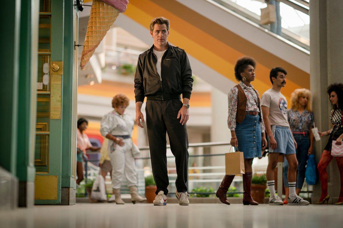 New Photo of Wonder Woman's Steve Trevor - Chris Pine in Wonder Woman Sequel