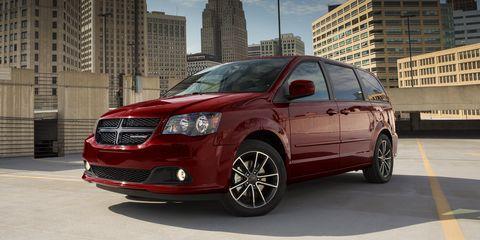 Land vehicle, Vehicle, Car, Alloy wheel, Minivan, Wheel, Rim, Family car, Automotive tire, Automotive wheel system,