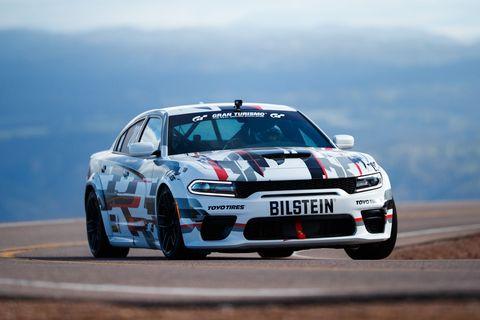 Land vehicle, Vehicle, Car, Sports car racing, Automotive design, Touring car racing, Motorsport, Endurance racing (motorsport), Performance car, Racing,