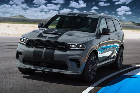 dodge durango srt hellcat powered by the proven supercharged 62 liter hemi hellcat v 8 engine, the durango srt hellcat delivers a best in class 710 horsepower and 645 lb ft of torque, mated to a standard torqueflite 8hp95 eight speed automatic transmission