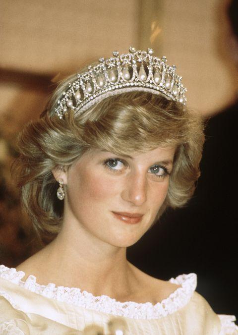 81a57be72c Kate Middleton brilla con la tiara favorita de Diana de Gales - Kate ...