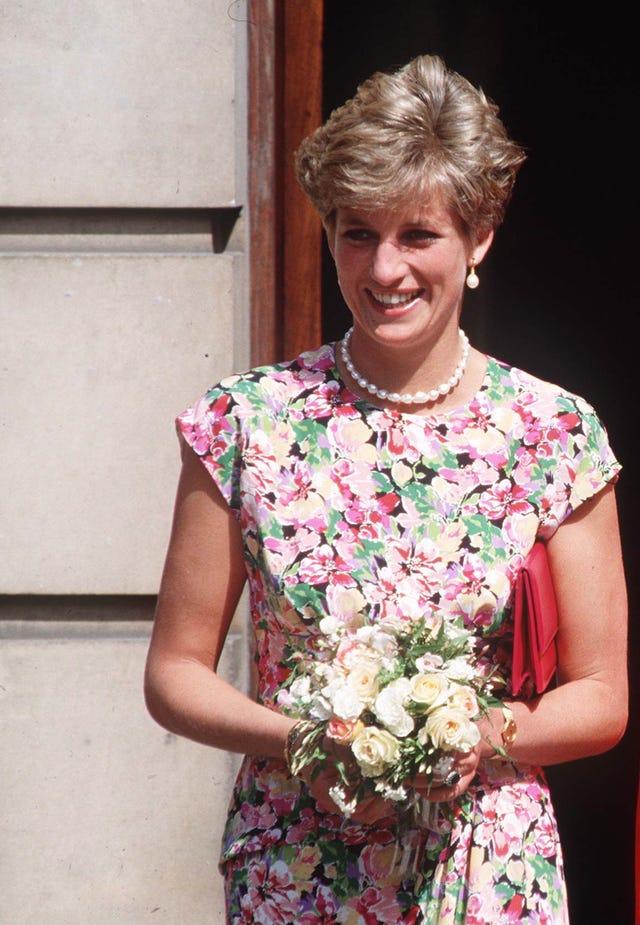 lady di vestido flores, lady di mejores looks