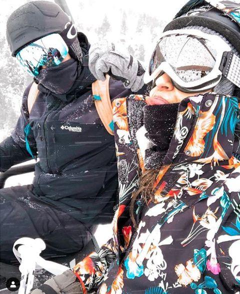 Snow, Helmet, Personal protective equipment, Cool, Fun, Headgear, Photography, Snowboard, Recreation, Winter,