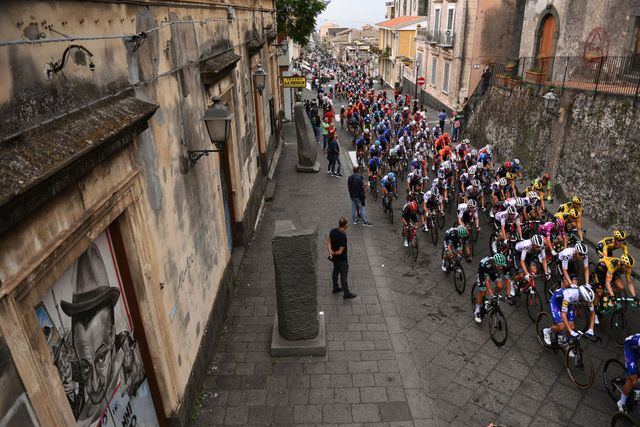103rd giro d'italia 2020   stage three