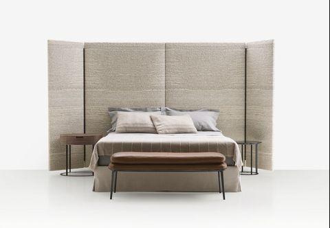 'Dike' bed by Antonio Citterio for Maxalto