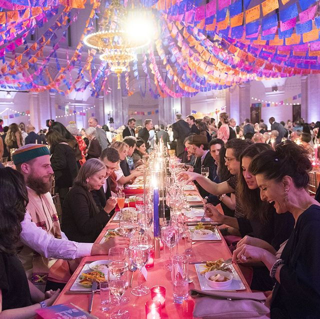Wedding banquet, Event, Function hall, Banquet, Lighting, Meal, Ceremony, Rehearsal dinner, Party, Fun,