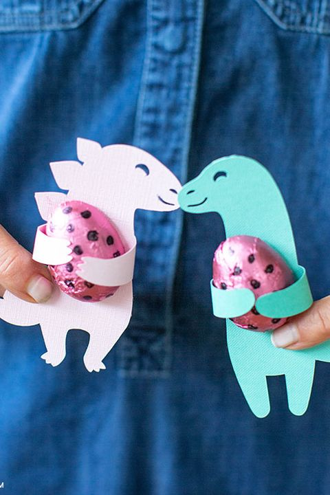 dinosaur birthday party candy huggers