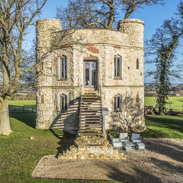 dinton caslte for sale in buckinghamshire