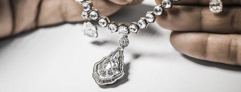 Jewellery, Fashion accessory, Necklace, Body jewelry, Pendant, Chain, Silver, Locket, Silver, Platinum,