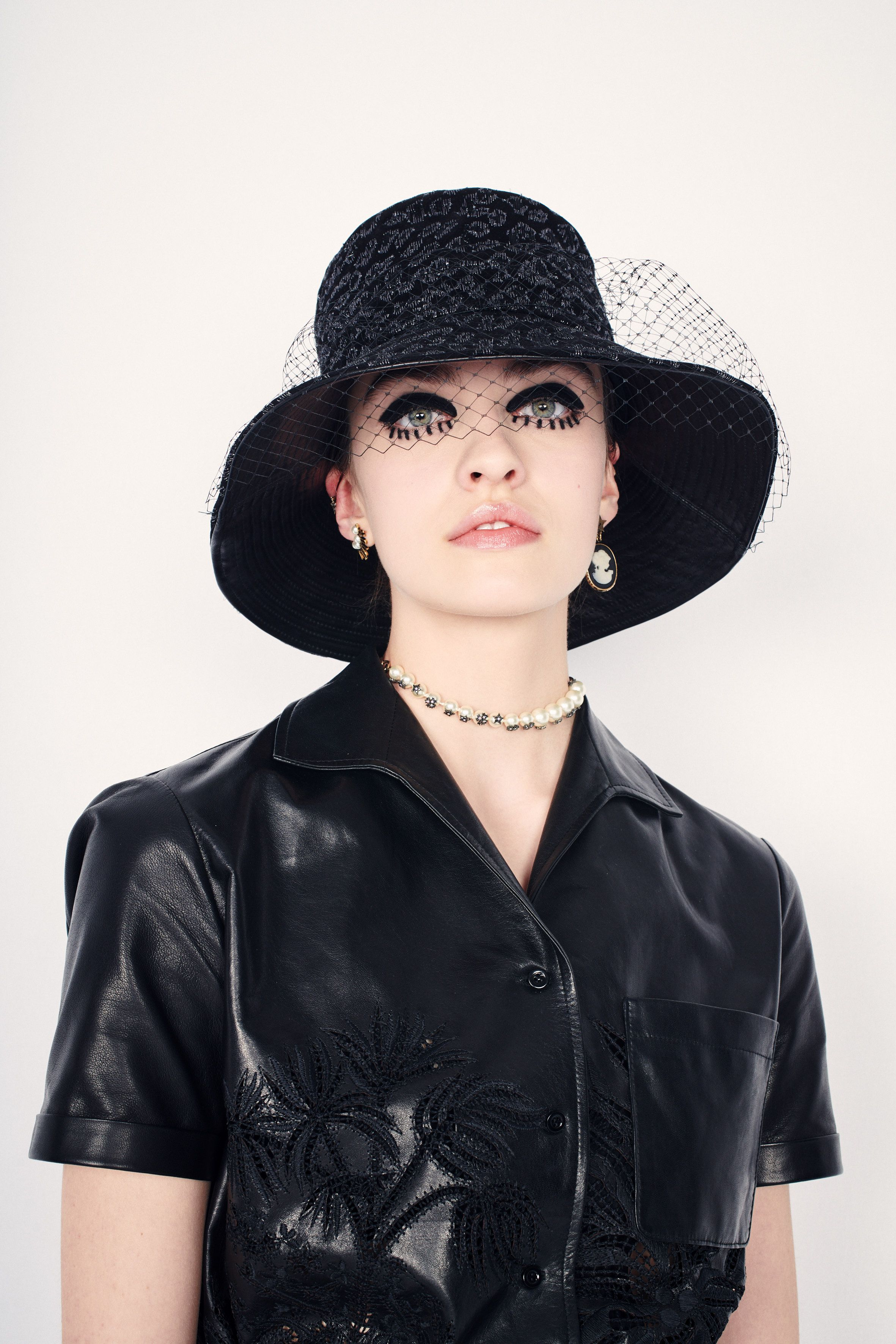 E indosseremo bucket hat come in un film sulla subcultura inglese