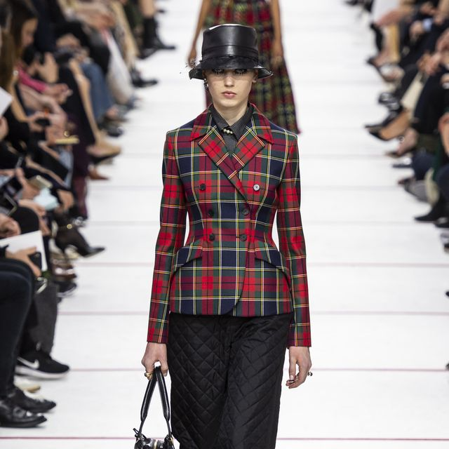 Plaid, Tartan, Runway, Fashion show, Fashion, Clothing, Fashion model, Pattern, Street fashion, Shoulder,