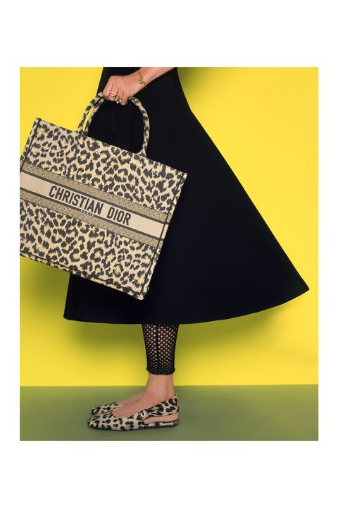 Bag, Style, Pattern, Fashion accessory, Luggage and bags, Fashion, Shoulder bag, Design, One-piece garment, Day dress,