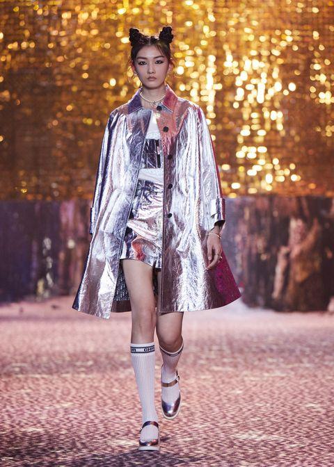 Dior Chớm Thu 2021 trên sàn disco Thượng Hải: 5 xu hướng đến từ nhà mốt Dior