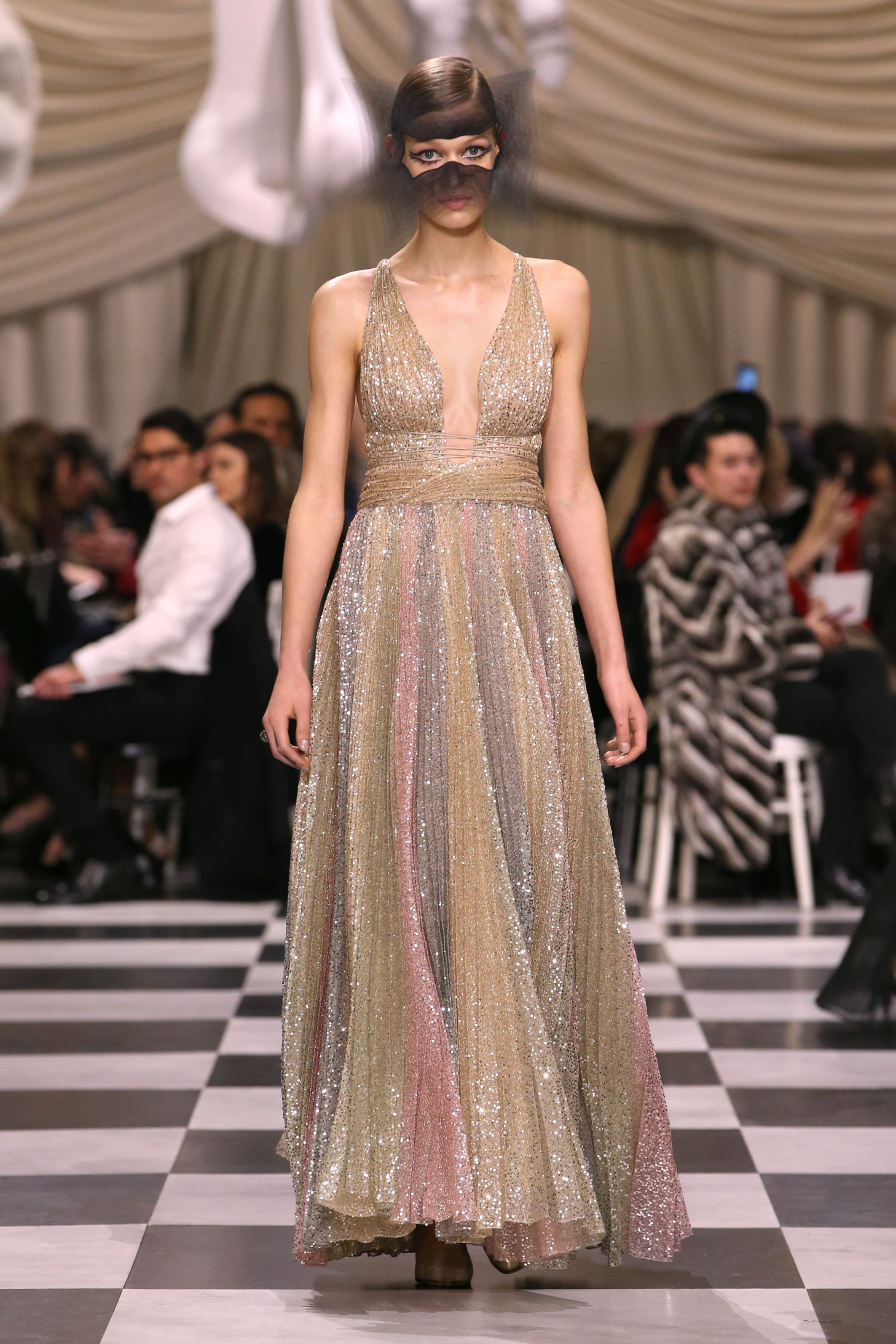 26b1402a9656 Dior couture spring summer 2018 collection