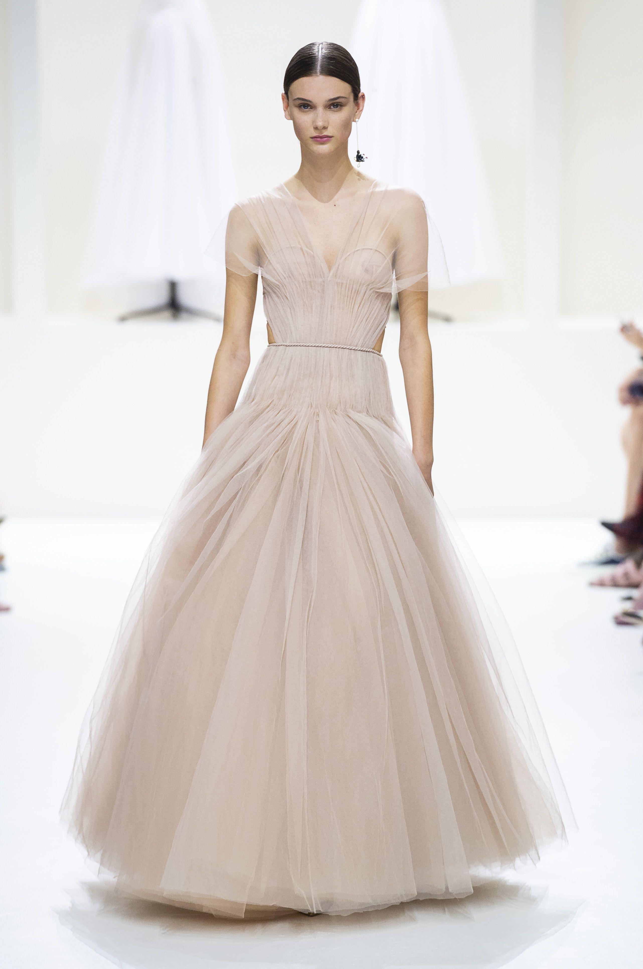Abiti Da Sposa Armani.Abiti Da Sposa 2019 Modelli E Tendenze Dall Haute Couture Di Parigi