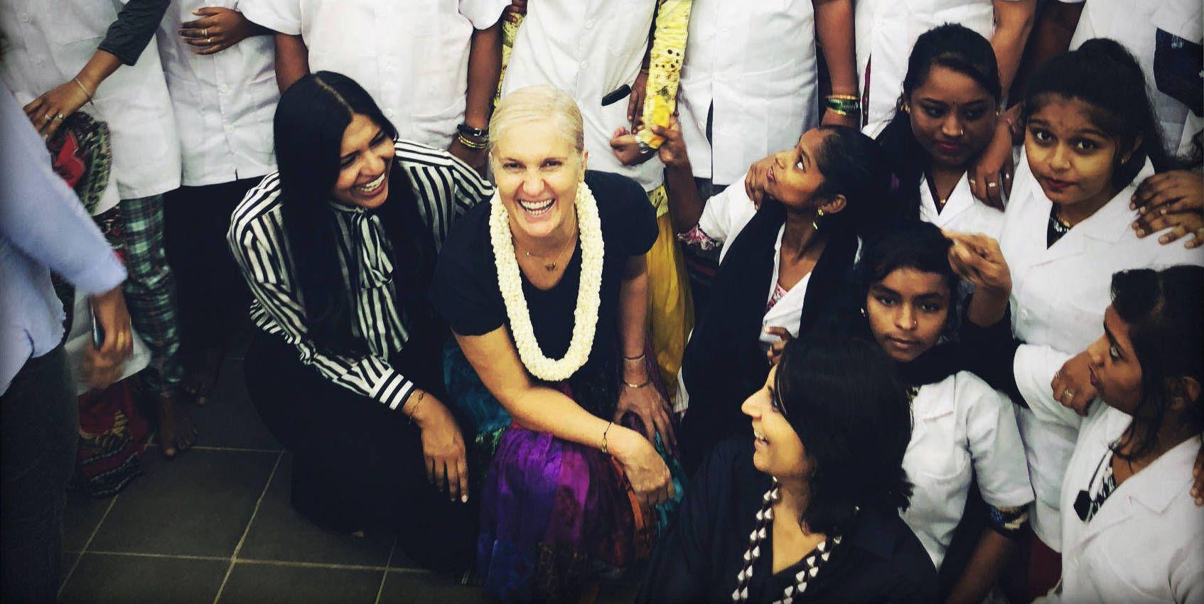 Dior e le ricamatrici in India: reportage di un viaggio a Mumbai