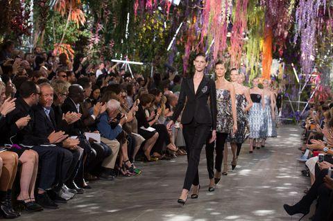 Los escenarios de desfiles más increíbles de la historia de la moda
