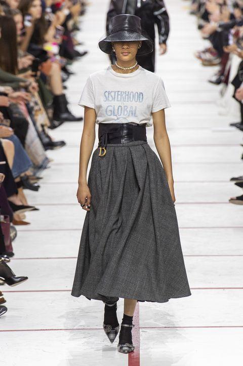 aspetto dettagliato 2b866 a70d5 Tendenze Moda 2019: revival delle gonne con cintura