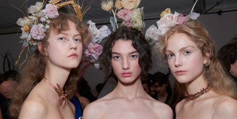 Hair, Fashion, Beauty, Hairstyle, Headpiece, Haute couture, Model, Fashion design, Human, Event,