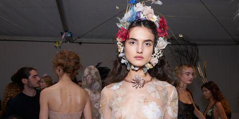 Hair, Head, Hairstyle, Shoulder, Hair accessory, Dress, Fashion accessory, Headgear, Headpiece, Fashion,