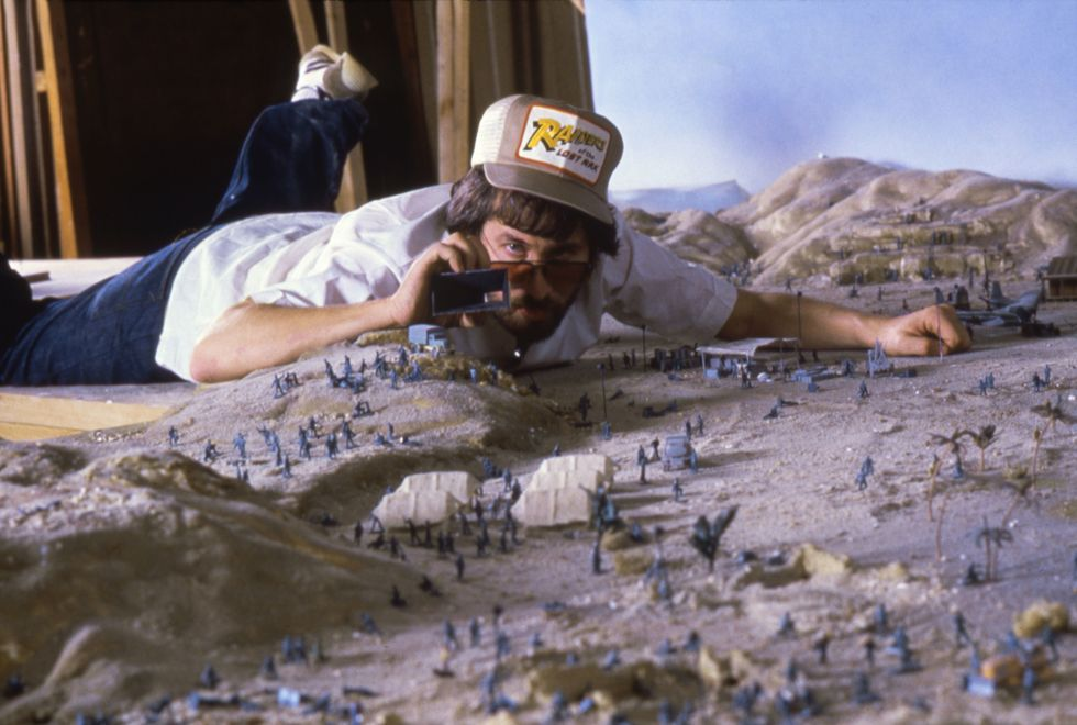 This image has an empty alt attribute; its file name is director-steven-spielberg-on-the-set-of-raiders-of-the-lost-news-photo-1584643125.jpg