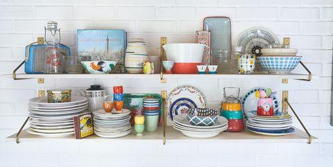 Shelf, Furniture, Shelving, Wall, Room, Serveware, Tableware, Ceramic, Table, Dinnerware set,