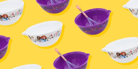 Bucket, Bowl, Tableware, Plastic, Mixing bowl, Tool, Cup,