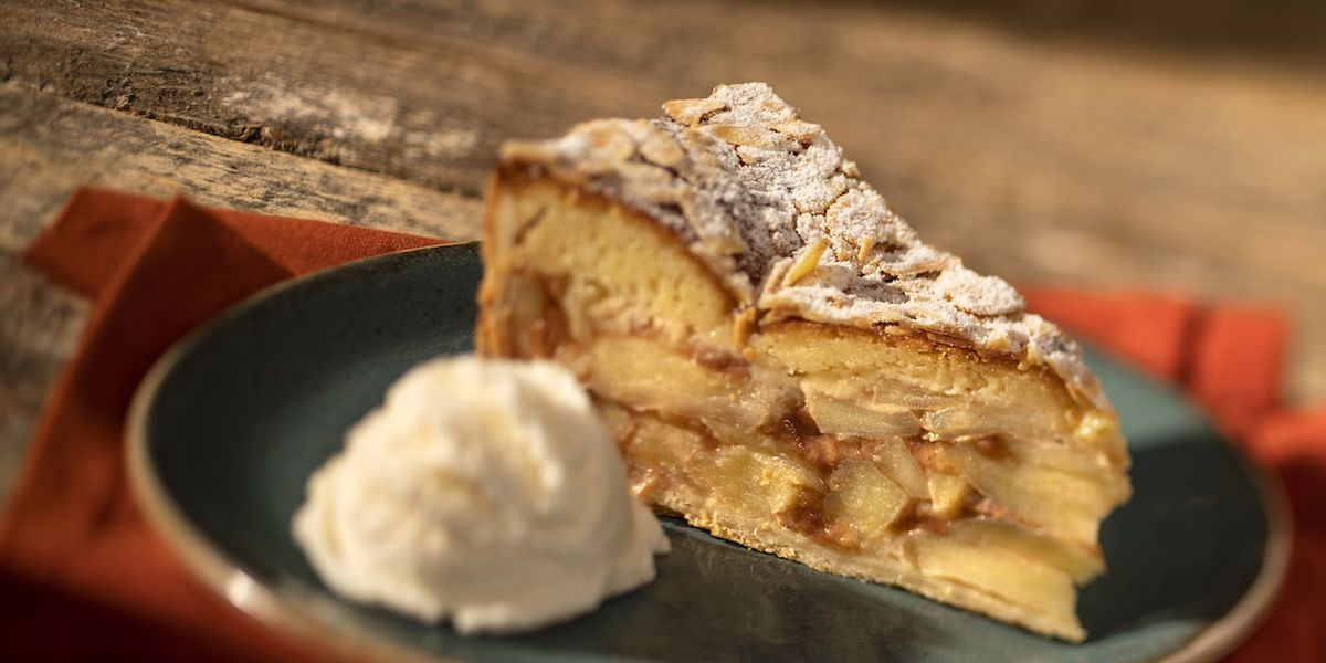 Disney Shared An Apple Pie Recipe From One Of Its Resorts And It Sounds So Comforting