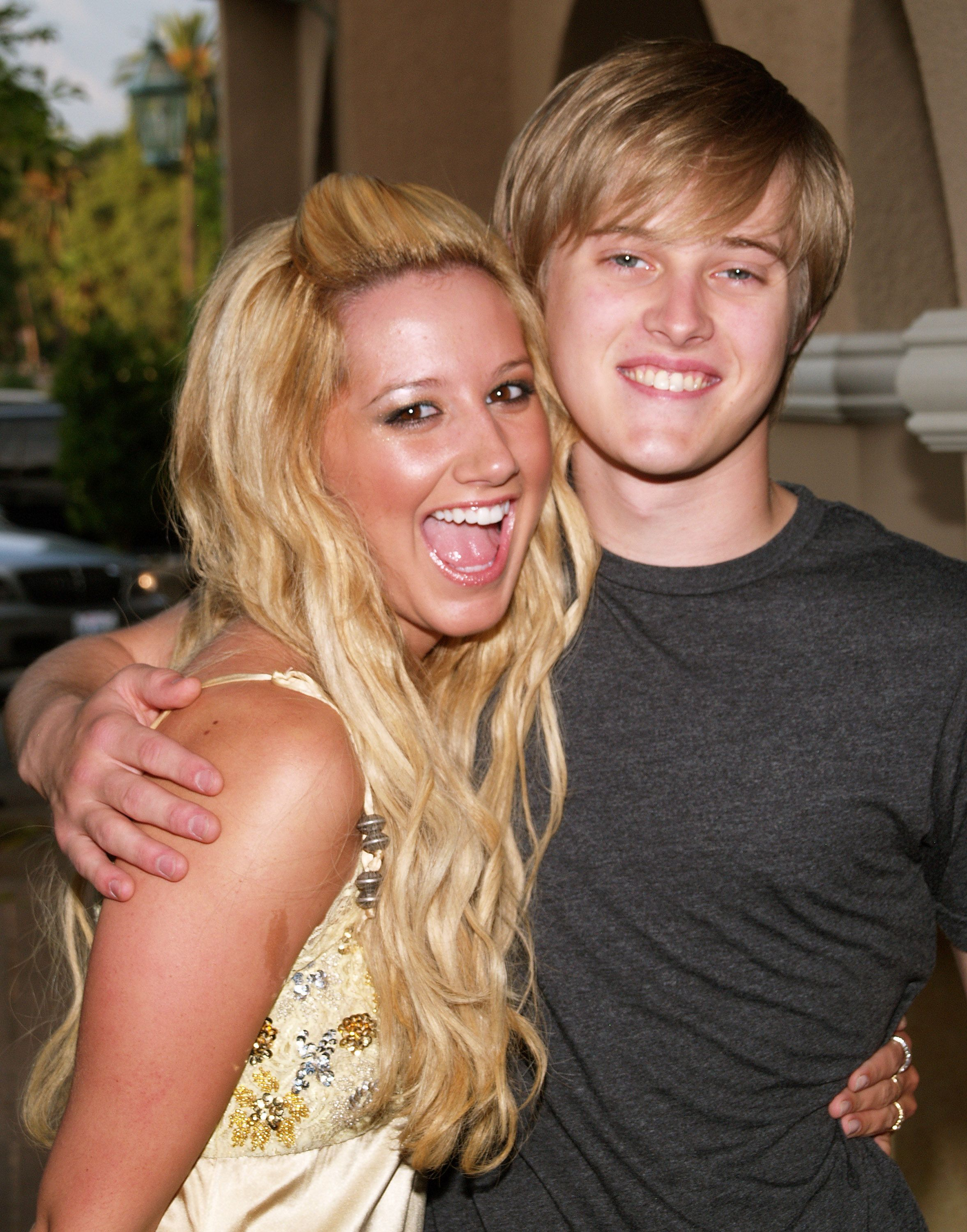 Disney Channel Feuds Ashley Tisdale Lucas Grabeel