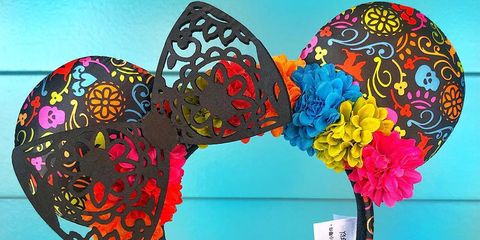 Blue, Butterfly, Headgear, Visual arts, Hair accessory, Pattern, Fashion accessory,