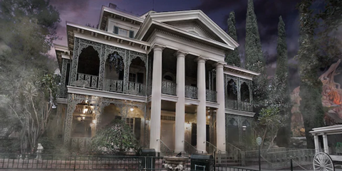 Architecture, Building, Landmark, Mansion, House, Classical architecture, Home, Estate, Column, Facade,