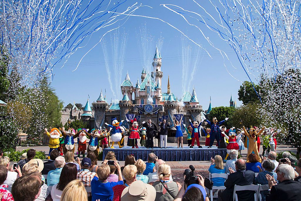 Disney Is Looking For Park Experts to Participate in the 2020 Disney Parks Moms Panel