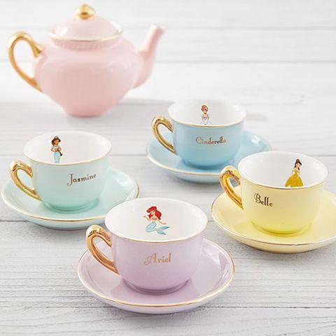Cup, Porcelain, Teacup, Tableware, Ceramic, Saucer, Coffee cup, Teapot, Cup, Serveware,
