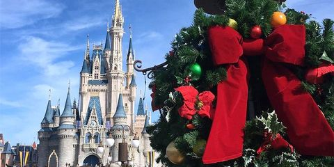 disney world quietly transformed for the holidays overnight 2018 disney christmas